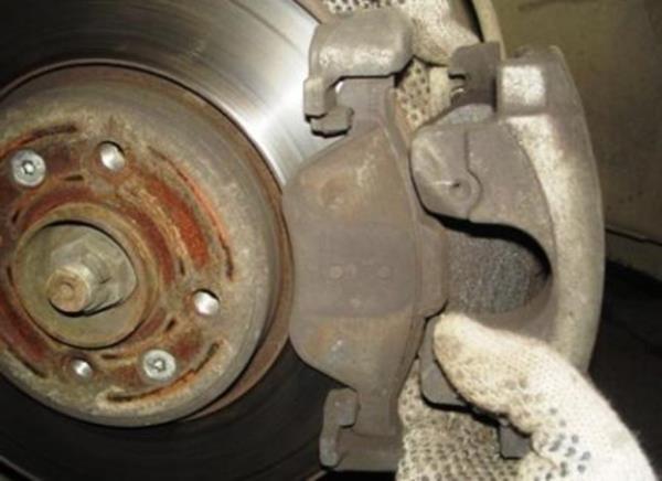 Замена комплекта задних тормозных колодок легкового автомобиля ВАЗ 2108-21099 купить в Оренбурге по выгодной цене - Теплый Стан