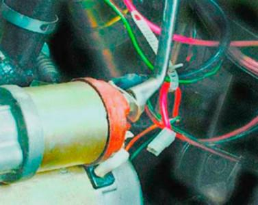 Снимаем колодки с проводами