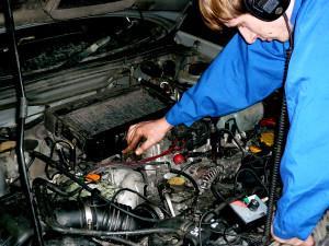 Фото диагностики стучащего двигателя, subsuz.ru