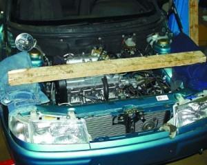 Вывешиваем двигатель
