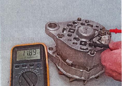 snjatie-proverka-remont-zamena-ustanovka-generatora-peremennogo-toka-vaz-classic 12