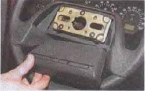 Zamena-kontaktnogo-koltsa-zvukovogo-signala 08