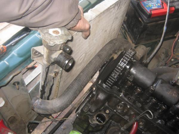 замена радиатора охлаждения на ВАЗ 2107-2105
