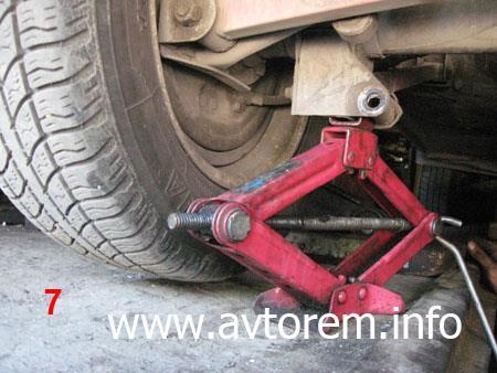 Замена задних пружин своими силами на автомобиле ВАЗ-2101, ВАЗ-2104, ВАЗ-2105, ВАЗ-2106, ВАЗ-2107, Классика