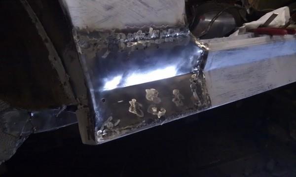 Восстановление фрагмента переднего крыла для Нивы ВАЗ-2121-21213-21214-2131
