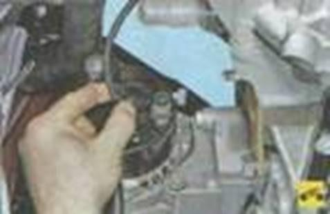 Монтаж и демонтаж генератора автомобиля Лада Гранта