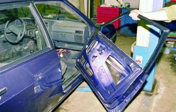 Замена передних и задних дверей на ВАЗ