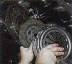 Zamena-vedomogo-diska-stseplenija 56