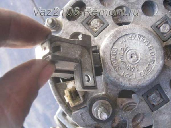 замена щеток генератора ВАЗ 2106