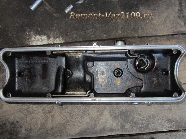 очистка клапанной крышки на ВАЗ 2109-2108 для установки новой прокладки