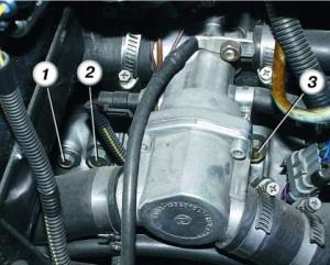 Откручиваем КПП от двигателя
