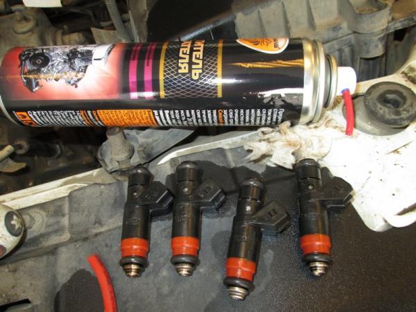 Очищенные форсунки двигателя Лада Гранта (ВАЗ 2190)