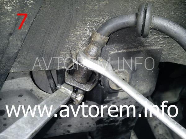 Как прокачать тормозную систему ваз-2110 после замены шлангов