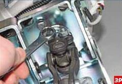 Гайка стяжного болта шарнира промежуточного карданного вала рулевого управления Лада Гранта (ВАЗ 2190)