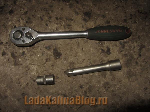 инструмент для снятия двери на Калине