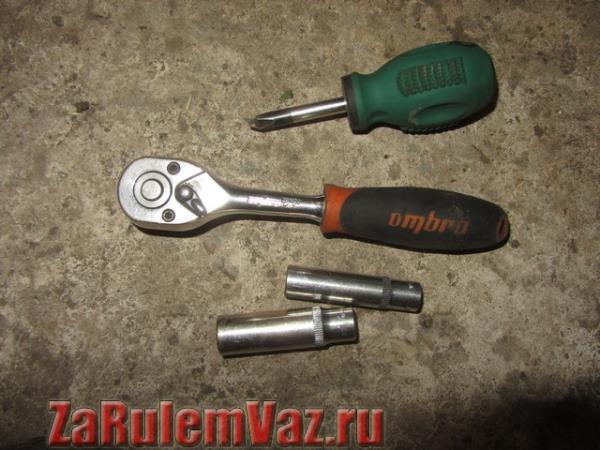 инструмент для замены блок фары ВАЗ 2113, 2114 и 2115