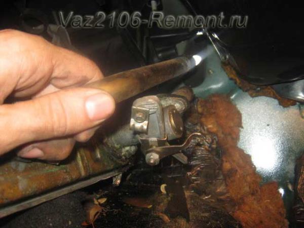 снятие радиатора печки на ВАЗ 2106