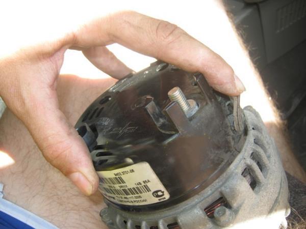 снять крышку генератора на ВАЗ 2110, 2114, 2115