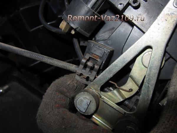 как отсоединить тросики от печки на ВАЗ 2109-2108