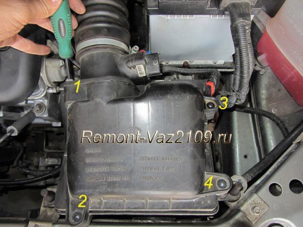 крепление кожуха воздушного фильтра на ВАЗ 2109-2108 инжектор