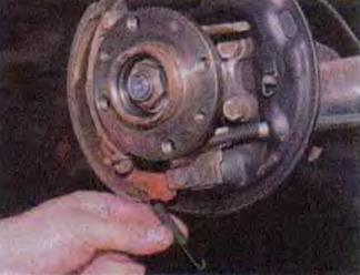 Мероприятия по снятию рычага ручного привода колодок ВАЗ 2113