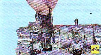 Замена маслосъёмных колпачков лада калина 2