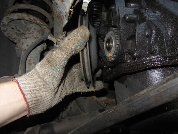 снятие шкива генератора на ВАЗ 2110-2111