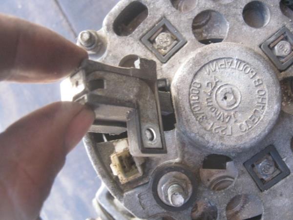 замена щеток генератора на ВАЗ 2107