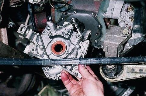 Снятие масляного насоса из двигателя Лада Гранта (ВАЗ 2190)
