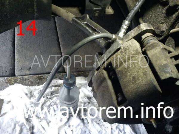 самостоятельная замена переднего тормозного шланга ваз 2110