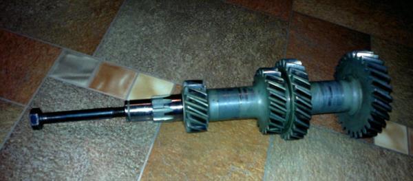 Промежуточный вал ВАЗ-2105
