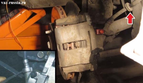 Отсоединение тормозного шланга от стойки и выворачивание гайки его крепления к тормозному суппорту