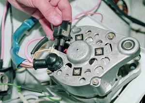 Фото - как снять щетки генератора, kakprosto.ru