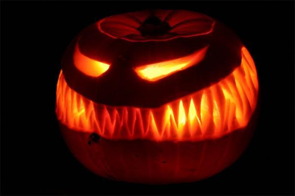 Halloween Carvery iam.ollief1.com