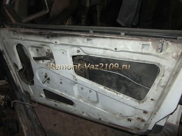 обшивка двери снята с автомобиля ВАЗ 2109-2108