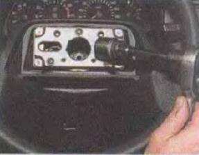 Zamena-kontaktnogo-koltsa-zvukovogo-signala 09