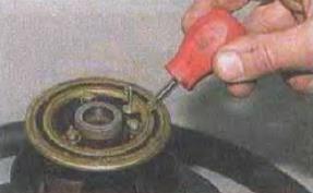 Zamena-kontaktnogo-koltsa-zvukovogo-signala 13