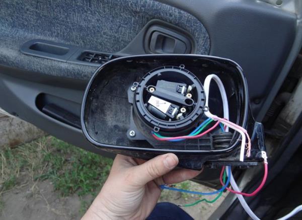 Как установить подогрев зеркал на автомобиль своими руками - Легкое дело