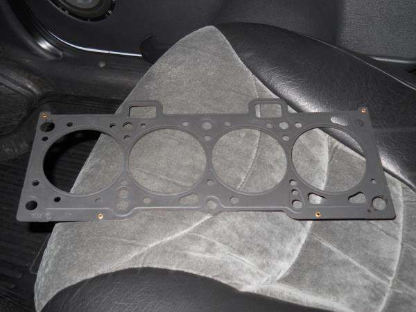 Прокладка головки блока цилиндров 8-клапанного двигателя Лада Гранта (ВАЗ 2190)