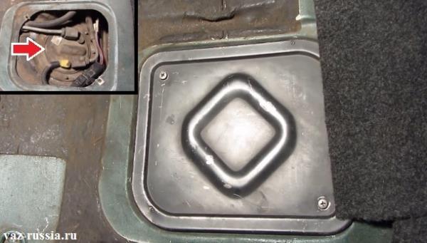 Местоположение насоса который качает топливо в двигатель автомобиля показано на рисунке