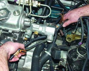 Фото демонтажа шлангов термостата ВАЗ 2110, automn.ru