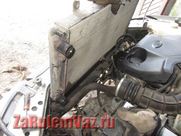 замена радиатора охлаждения двигателя на Гранте