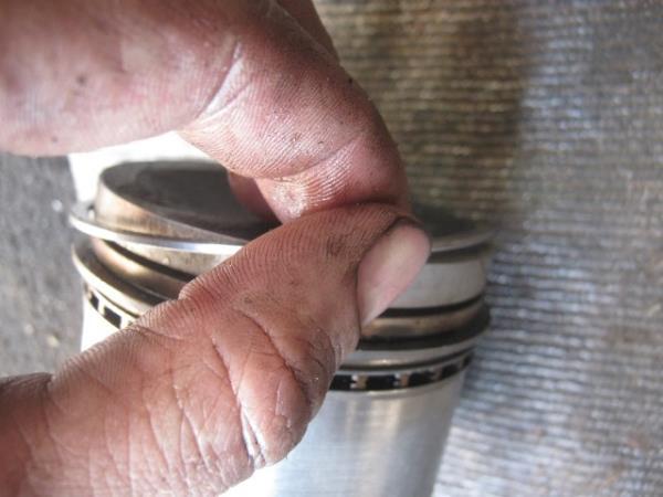 Как заменить поршневые кольца своими руками. Замена поршневых колец. Поршневые кольца: материалы изготовления, инструменты, мето