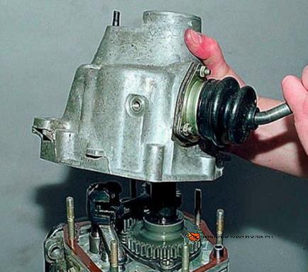 Задняя крышка КПП Ваз-2105