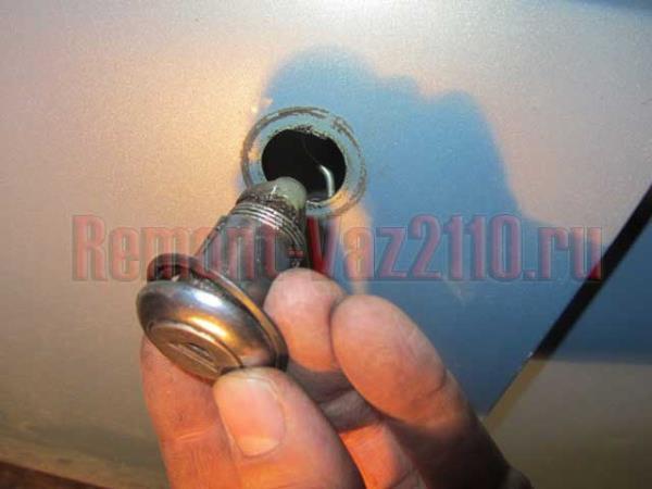 замена личинки замка двери на ВАЗ 2110-2112