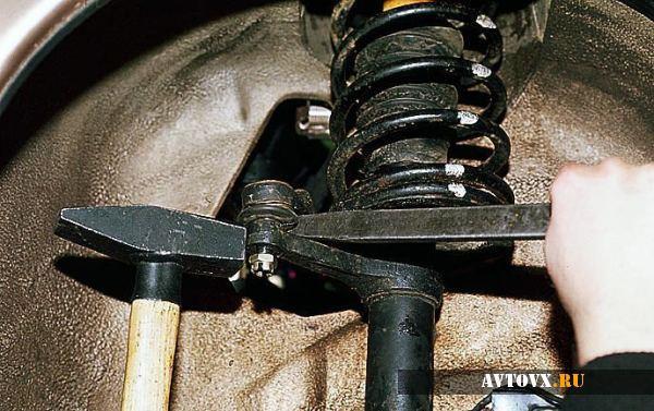 Снятие рулевого наконечника ВАЗ 2110
