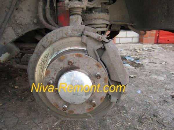 тормозной механизм автомобиля ВАЗ 2121 Нива