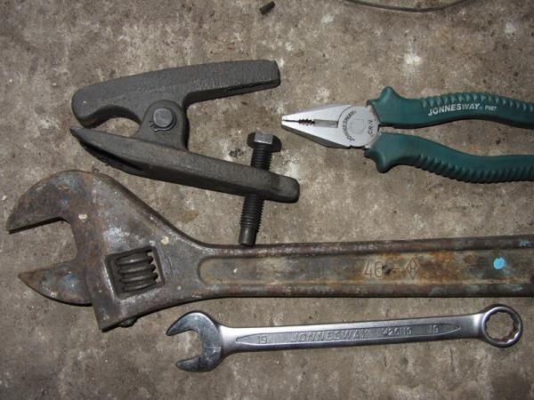 инструмент для замены рулевых наконечников на ВАЗ 2110-2112
