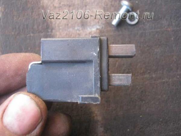 как проверить износ щеток на генераторе ВАЗ 2106