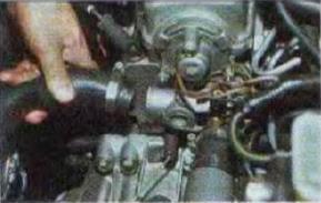 Zamena-radiatora-sistemy-okhlazhdenija-dvigatelja 13